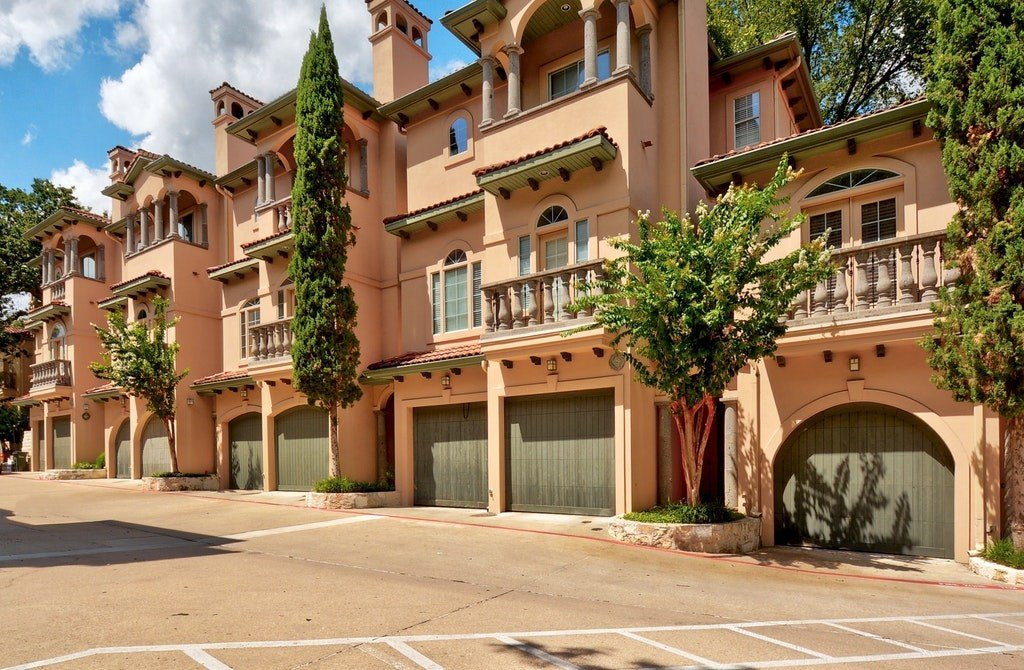 property_image - Condominium for rent in Austin, TX